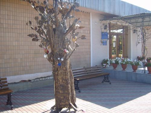 """Скульптура """"Древо семейной жизни"""""""